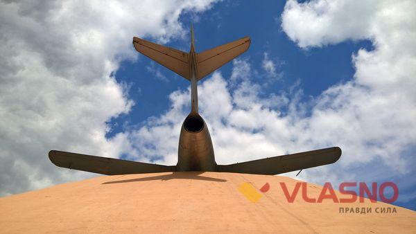 пам'ятник літаку вінниця фото
