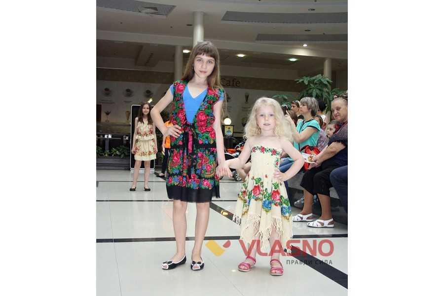 51f6f302f6cbd2 Вінничанка створила колекцію дитячого одягу із бабусиних хусток ...