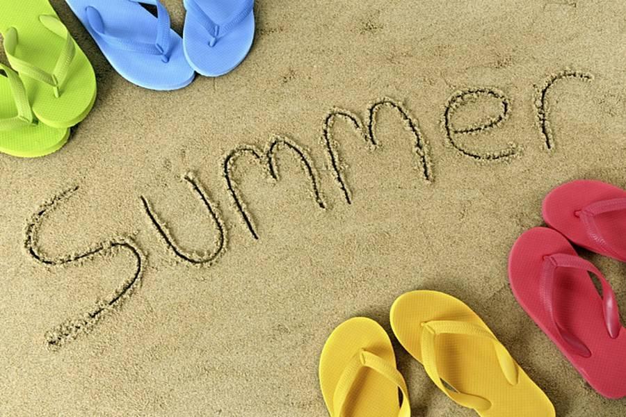 Дешевий і цікавий літній відпочинок: куди українців пускають без віз